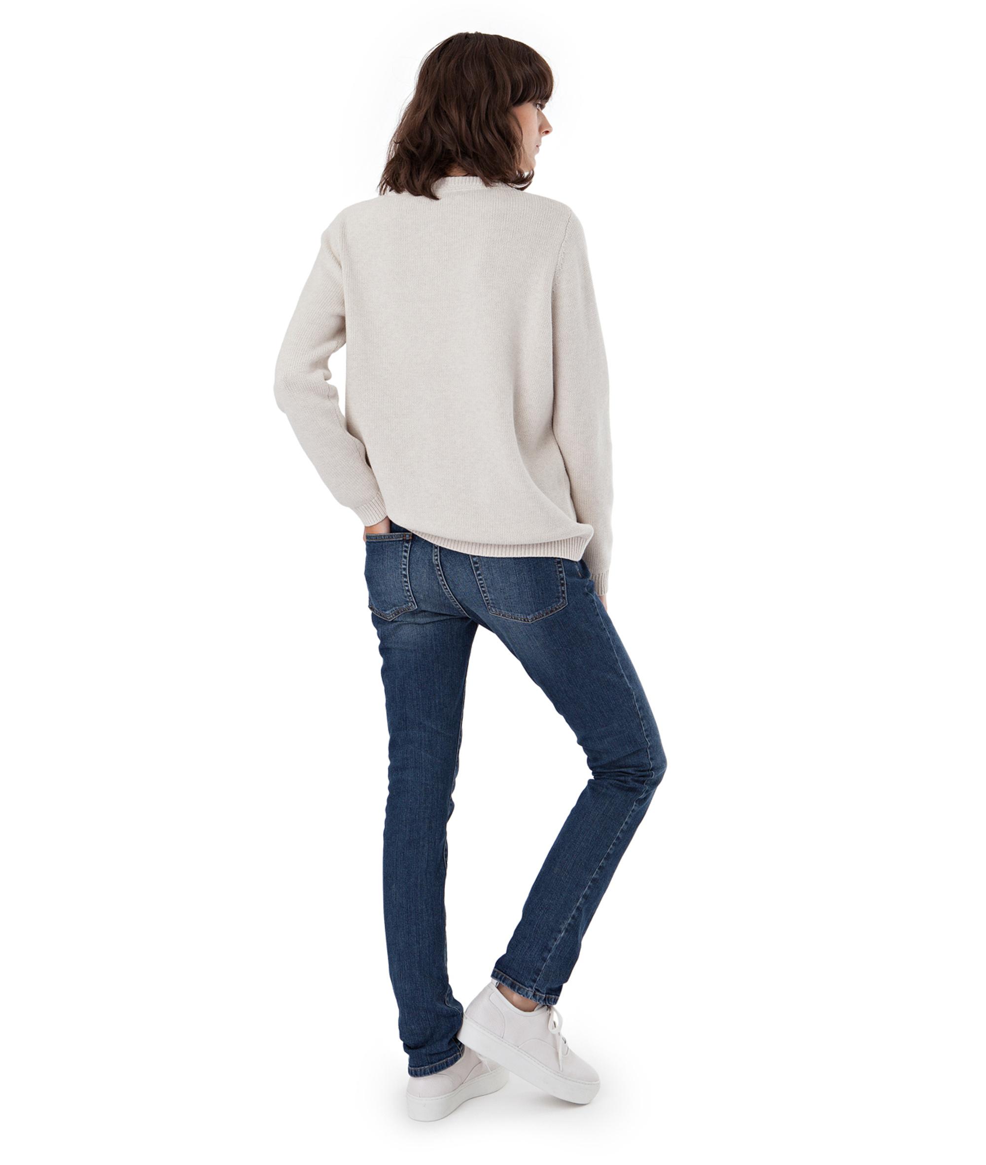 Lova Sweater